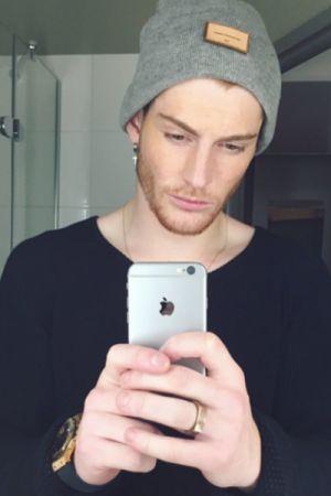 Tobias, 19 (SG)